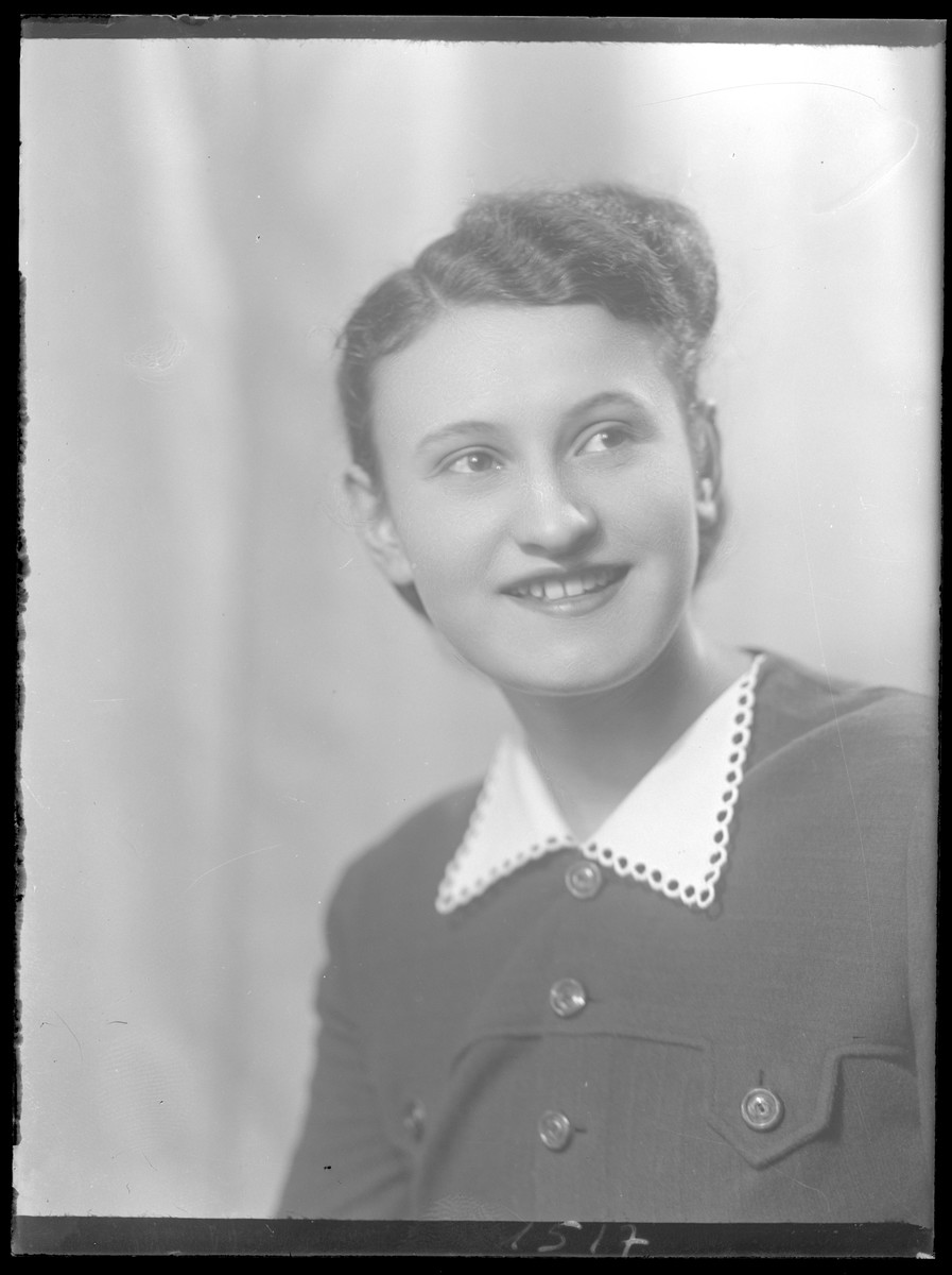 Studio portrait of Iren Friedman.
