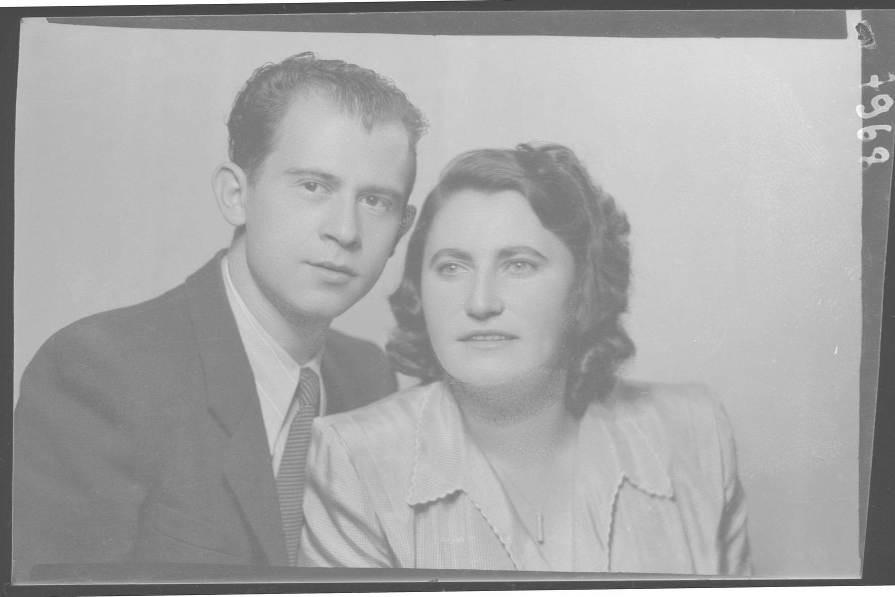 Studio portrait of Kalman Grunberger and his wife.