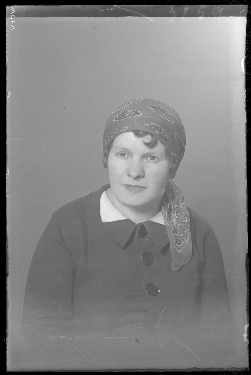 Studio portrait of an unidentified woman.