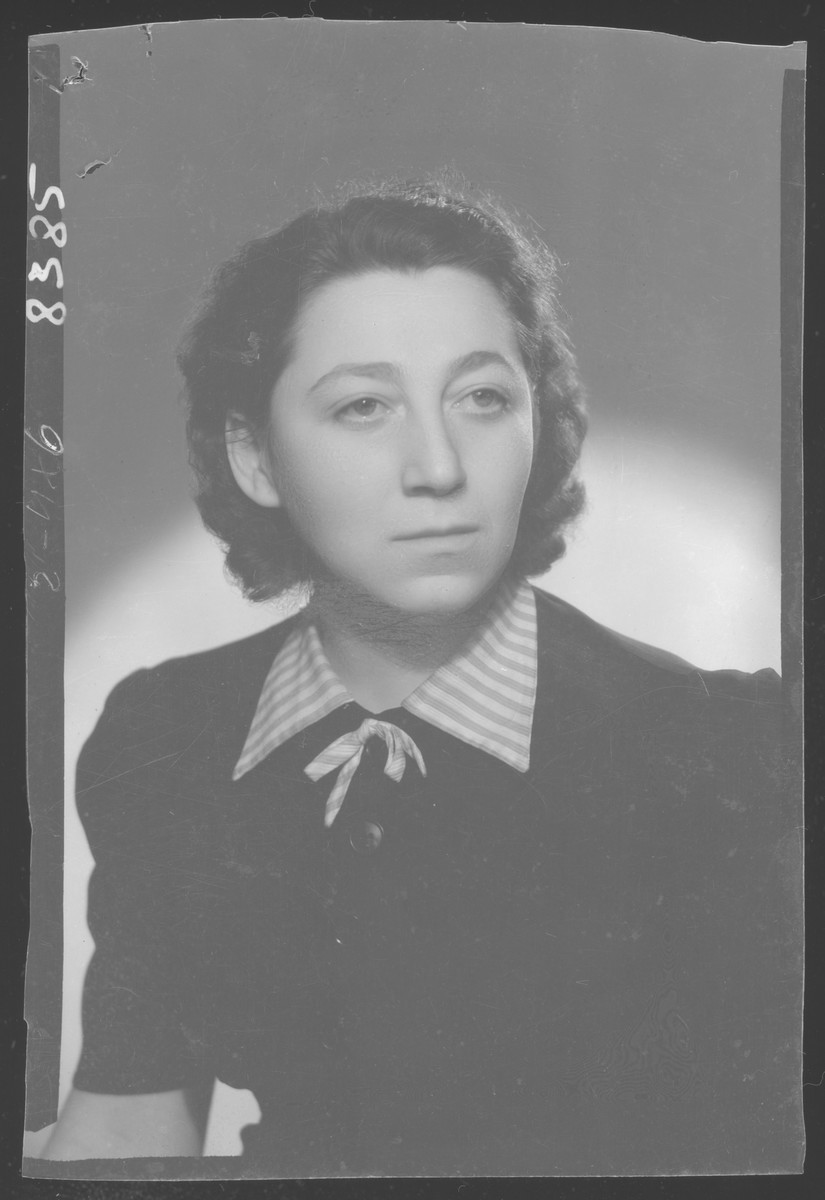 Studio portrait of Neli Herman (Nely Herschmann), born in 20 October 1918 at Cernowitz. Her parents were Jakob Herschmann (died in the Moghilev getto in 1942) and Anna Herschmann (died in Baia Mare, Romania in 1952). She was married to Laszlo Frenkel. Nely passed away in 2004 in Baia Mare, Romania from natural causes.