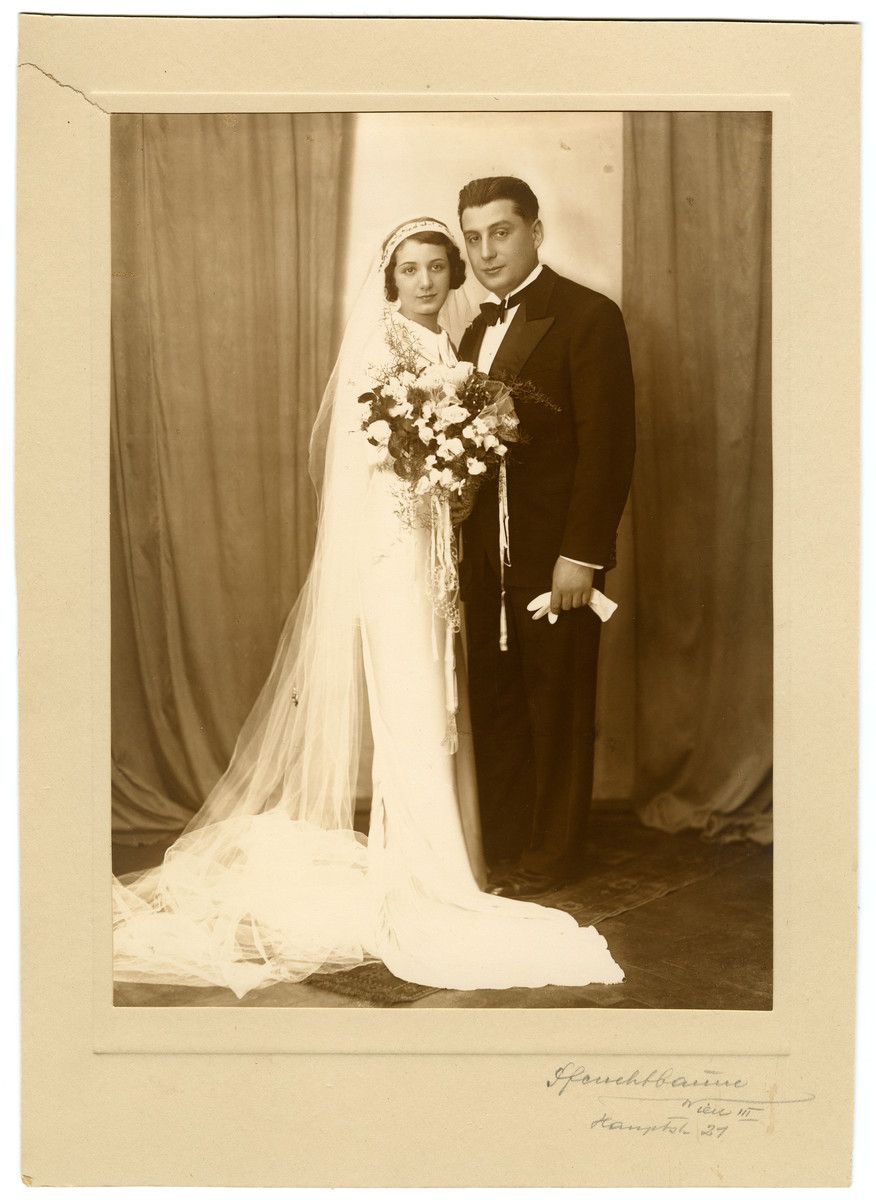 Wedding portrait of Dora Austein and Emil Tennenbaum.
