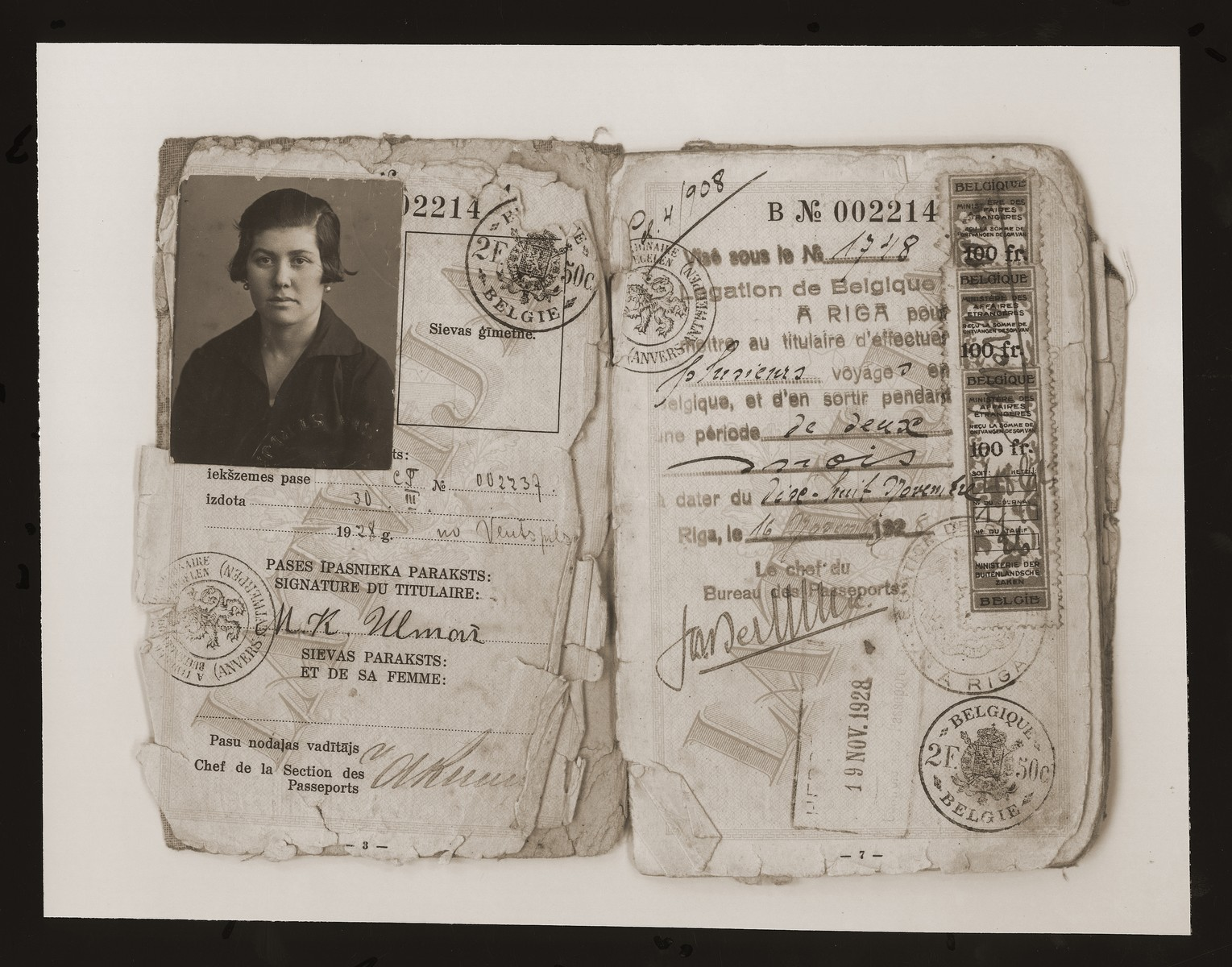 A page of the Latvian passport of Mirjana Ulman, which bears the temporary Belgian visa she used to get into the country in 1928.  The visa was issued by the Belgian Legation in Riga.  According to the terms of the visa, she was permitted to stay in Belgium for only one year.