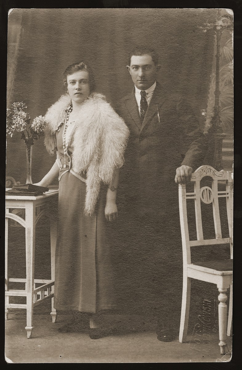 Portrait of donor's older brother, Yehiel Rozen and his wife, Ester Rozenberg.