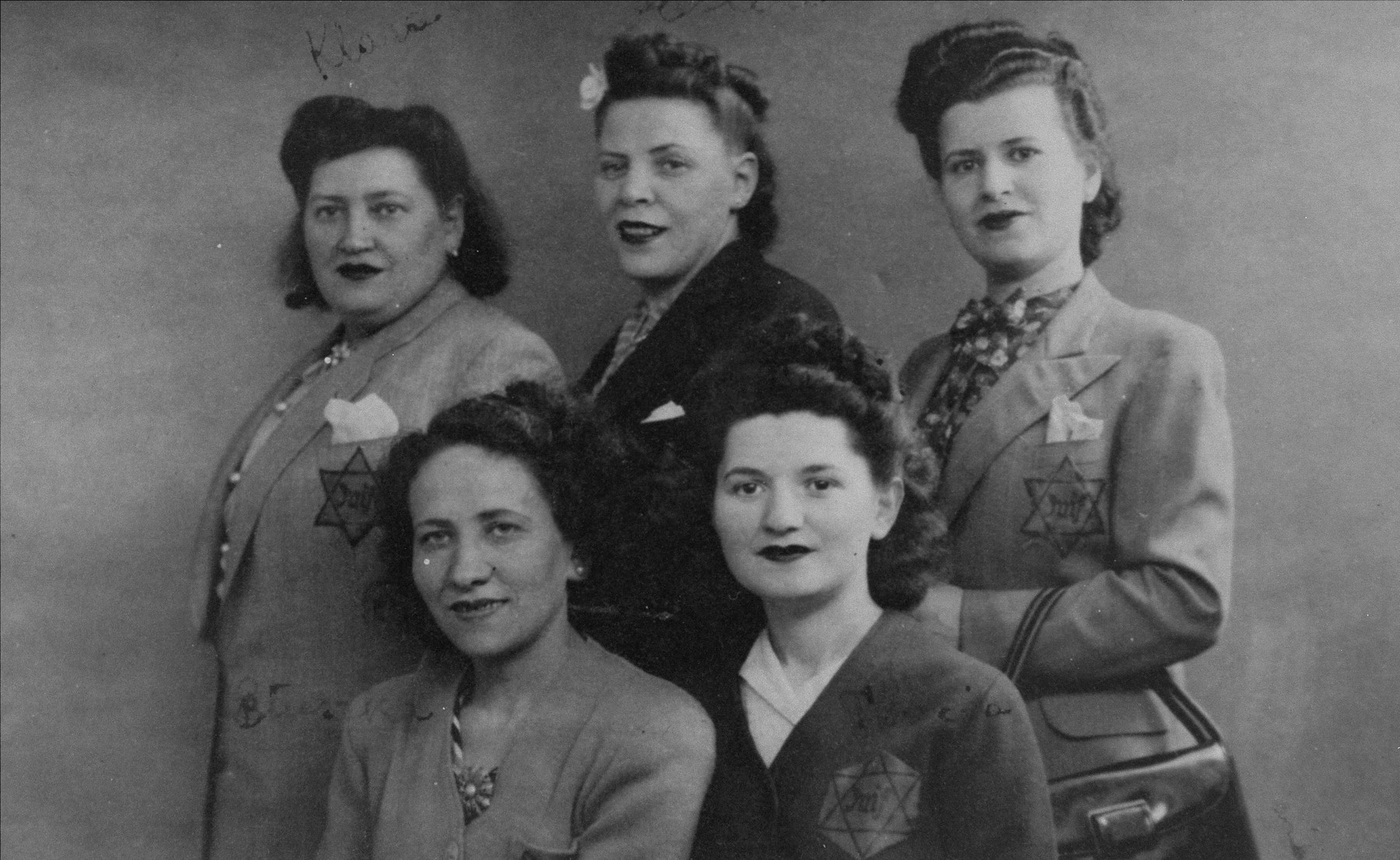 A group of Jewish women in Paris.  Pictured in the back from left to right are Klara, Erna and the donor, Denise Klein.  Sitting in the front are Bluszka and Tovcia.  The woman on the bottom left has also been identified as Jetta (or Ida) Kielmanowicz.