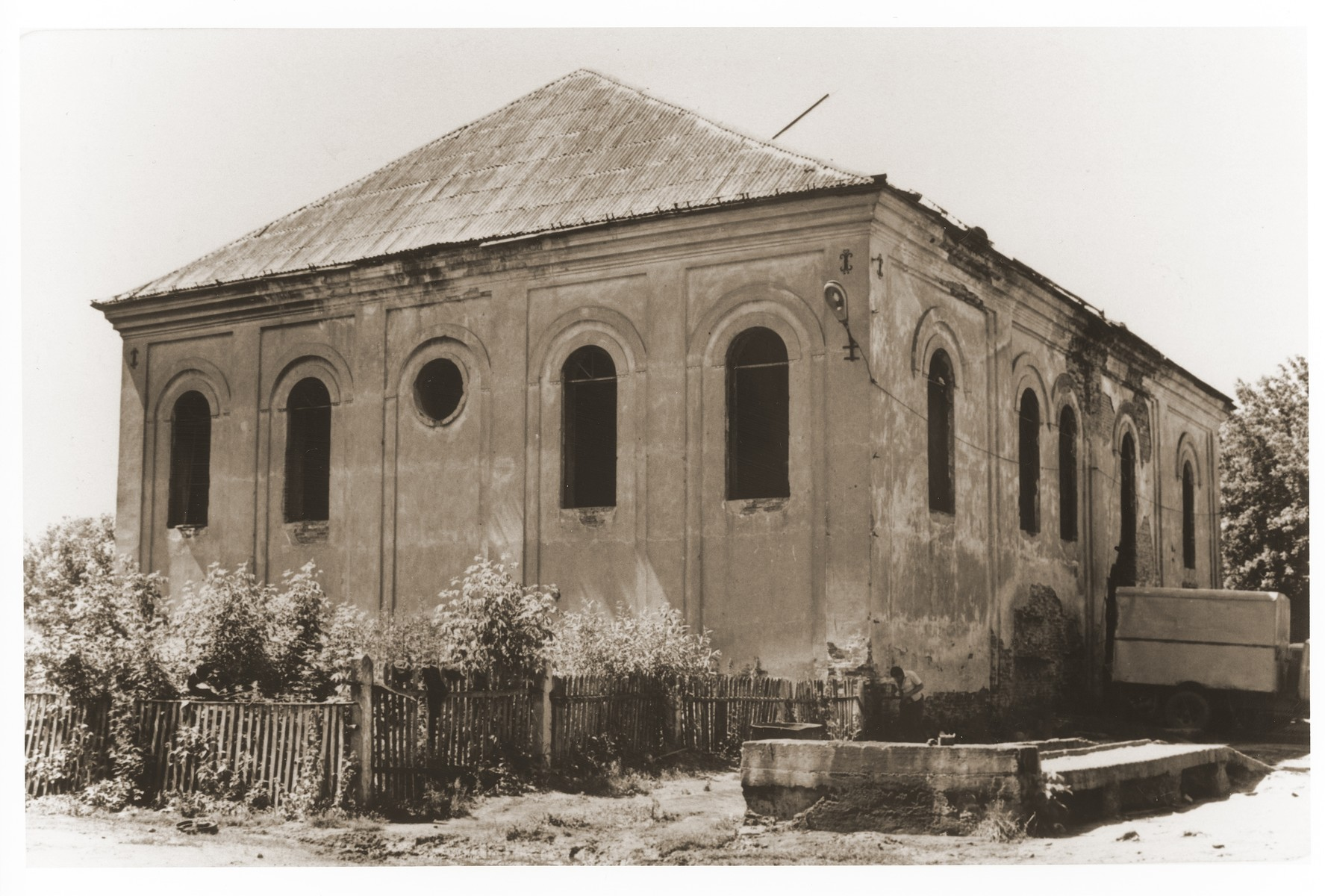 Exterior of the synagogue in Rozana, Belorussia.