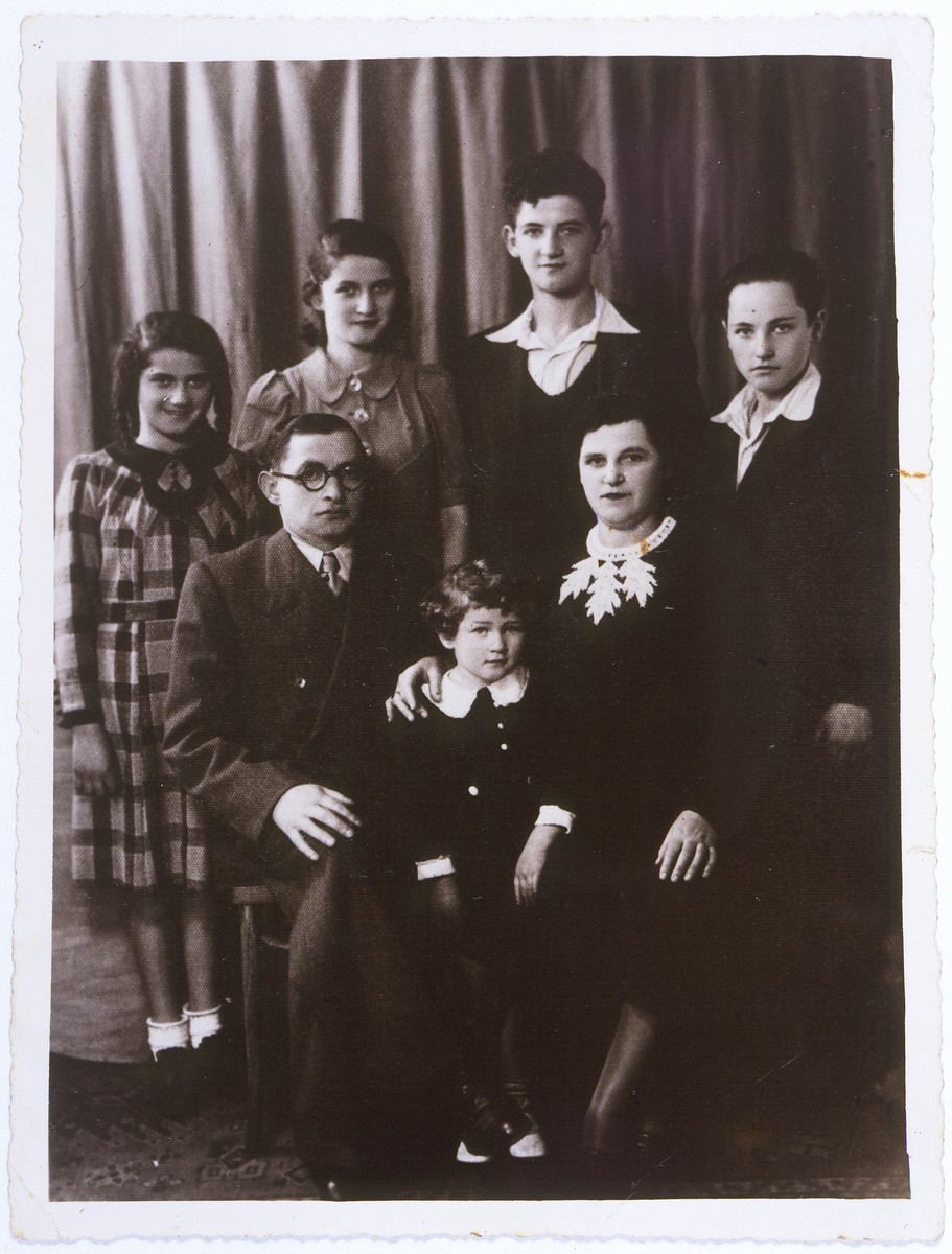 Studio portrait of the Donner family in Antwerp, Belgium.