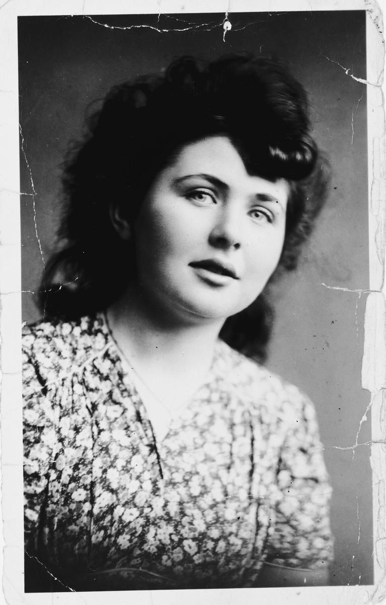 Portrait of Hena Kohn.