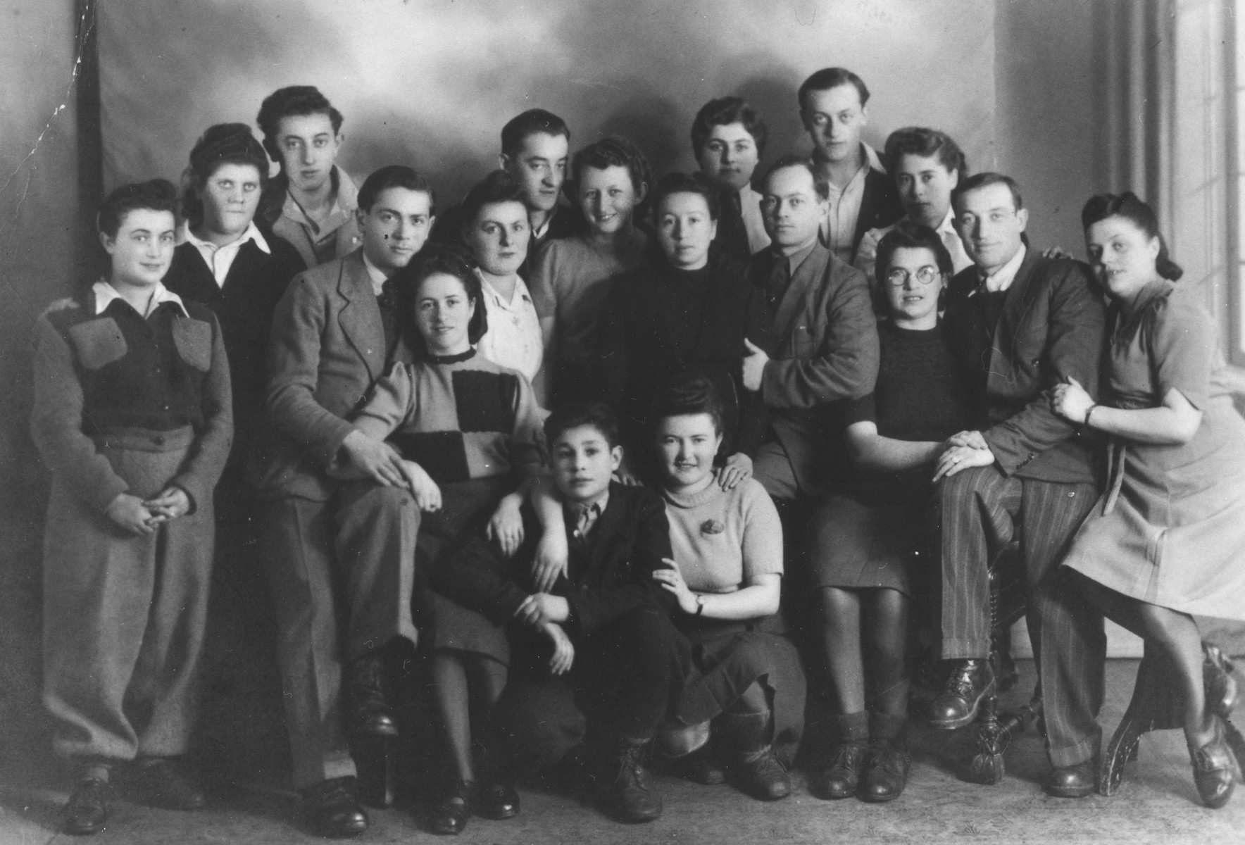 Friends and relatives from Stopnice gather in the Landsberg displaced persons camp.  Those pictured include Meir, Chana, Yechezkel and Eliezer (Lipa) Ptashnik, and the family of their maternal aunt, the Silberberg family, Helen, Alex, Sara and Luba.