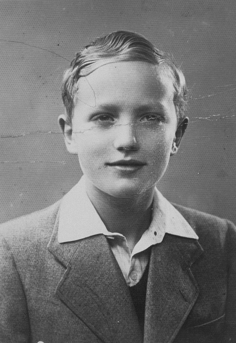 Portrait of Bobi Blumberg, a member of the Irgun Brit Zion Zionist youth movement in the Kovno ghetto.    Bobi Blumberg is now a physician and lives in the U.S.