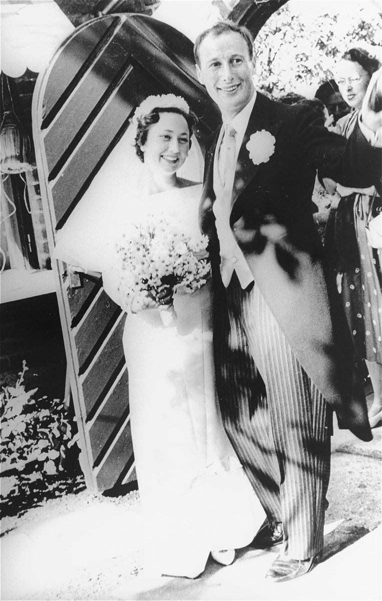 Wedding portrait of Lea Friedmann and her husband in Copenhagen.