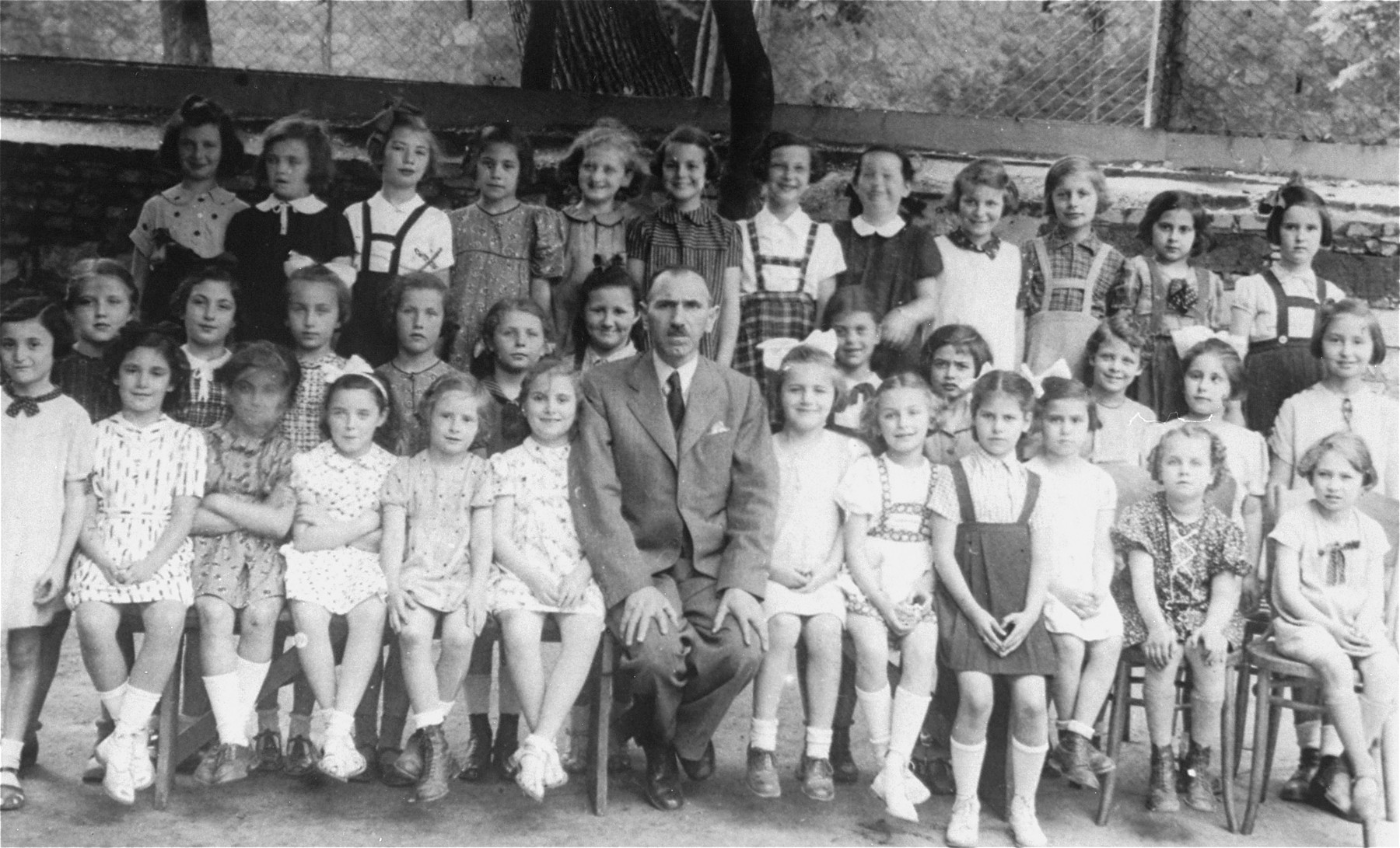 Class portrait of students at a Jewish primary school in Bratislava.