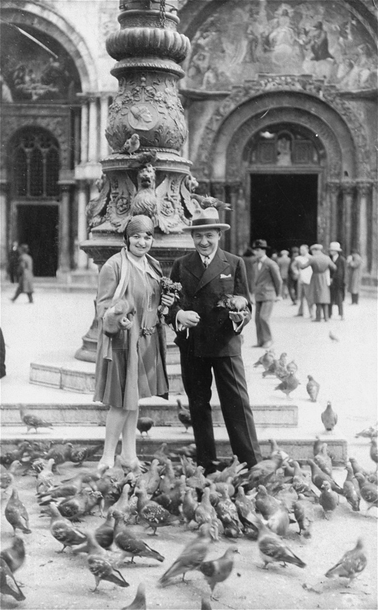 Portrait of a Jewish couple on their honeymoon in Venice.  Pictured are Magda and Nandor Muller from Hlohovec, Czechoslovakia.
