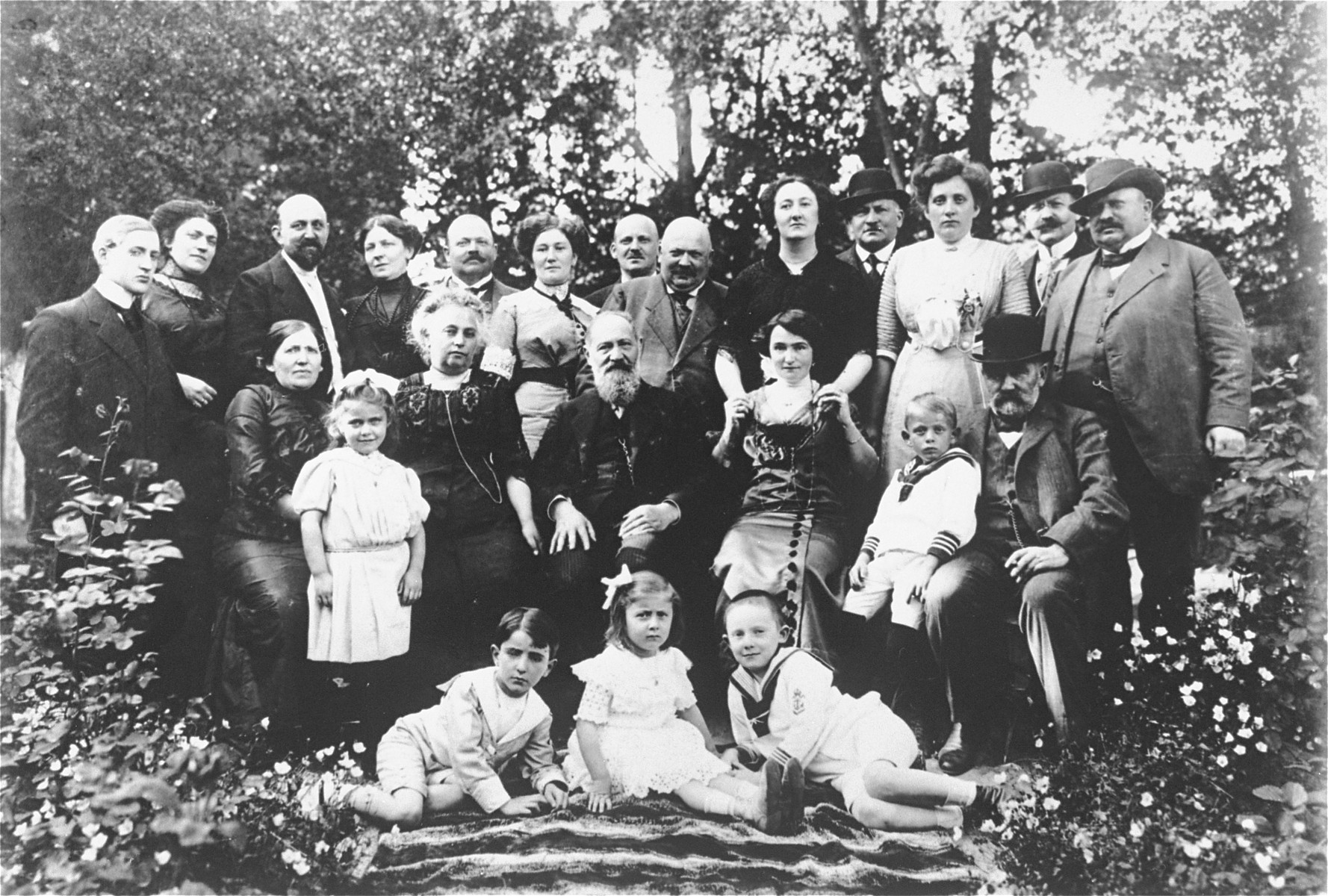 Group portrait of members of the extended Anker family at a reunion in Lidzbark Warminski, Poland.