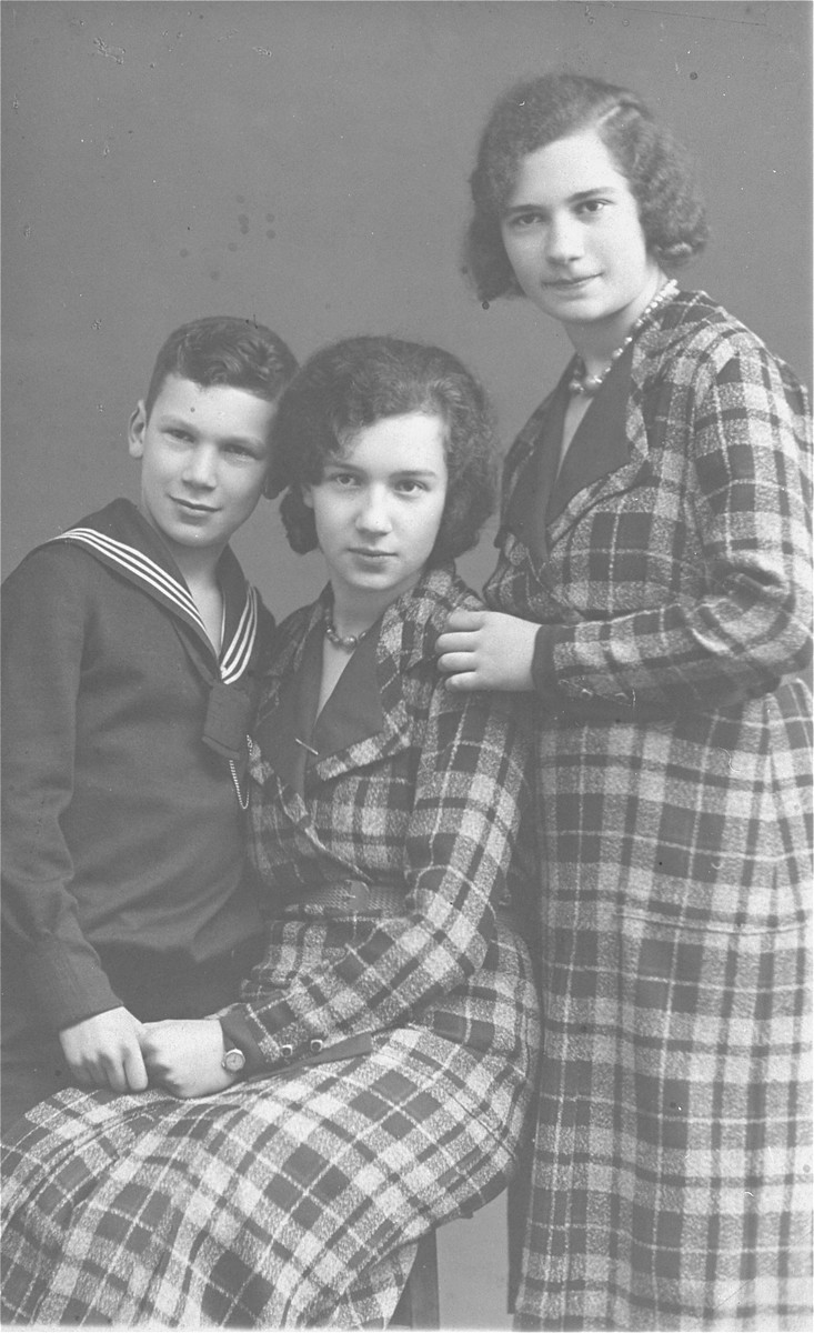 Portrait of the three Dahl children in Geilenkirchen, Germany.    Pictured from left to right are Erich, Hilde, and Ilse Dahl.