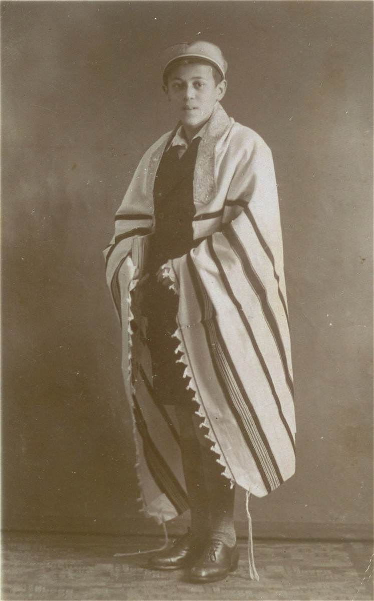 "Bar mitzvah portrait of  Abraham Moshe Muhlbaum.  The service took place in the ""Ahavat Achim"" orthodox synagogue on Prinzen-Alee."