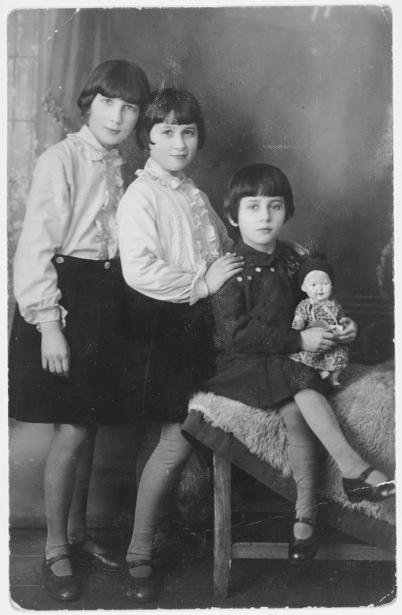 Portrait of Irene, Wanda and Tosia Borenstein.  Irene Borenstein [later Shattan] married Wolf Shattan after liberation.