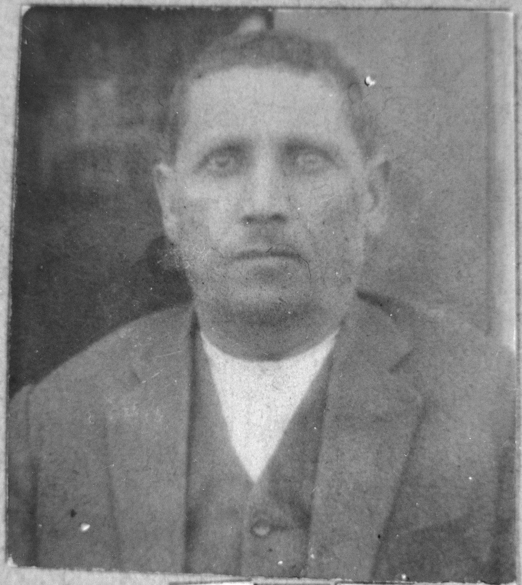 Portrait of Mordechai Levi.  He was a second-hand dealer.  He lived at Asadbegova 6 in Bitola.