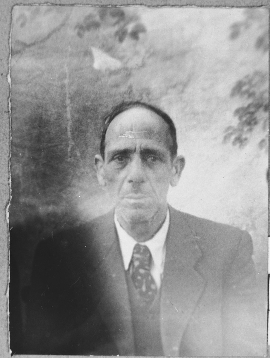 Portrait of Yakov Levi, son of Mair Levi.  He was a manufacturing agent.  He lived at Petra 40 in Bitola.