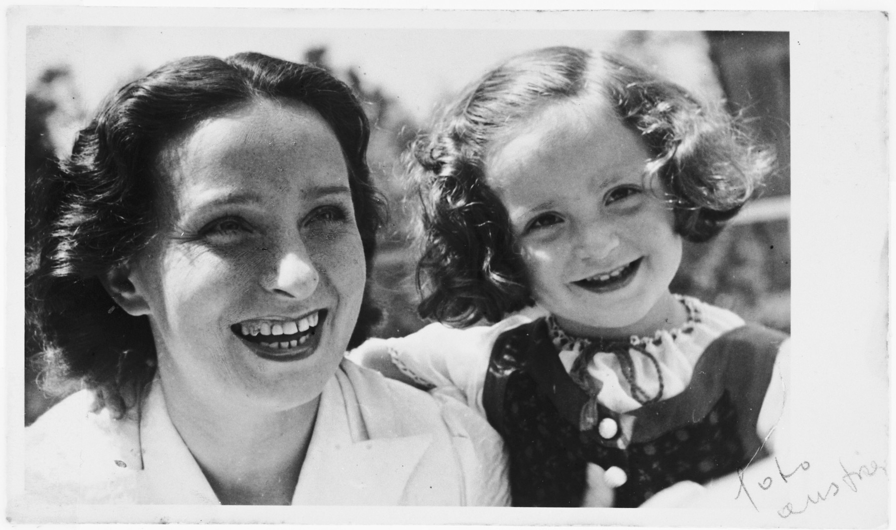 Rosmarie Schink and her daugher Julia.