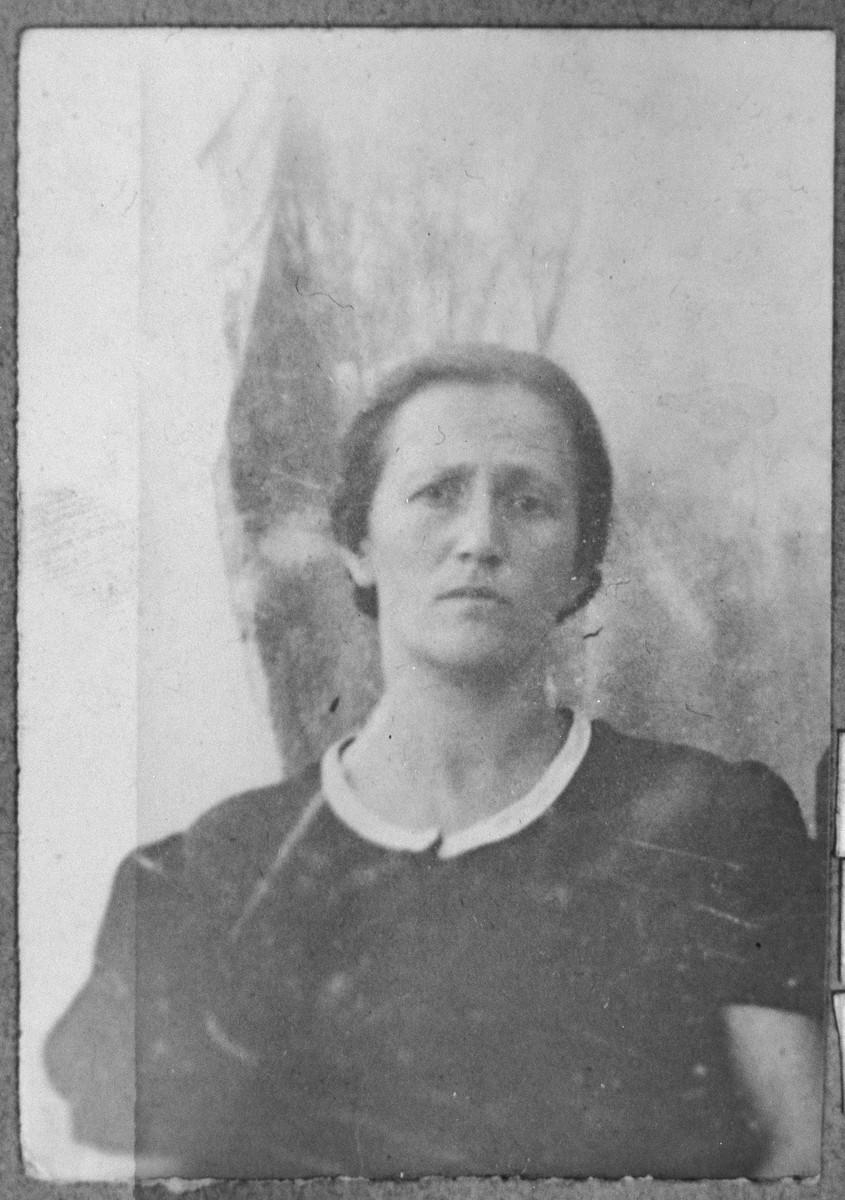 Portrait of Ester Kolonomos, wife of Viktor Kolonomos.  She lived at Sremska 15 in Bitola.