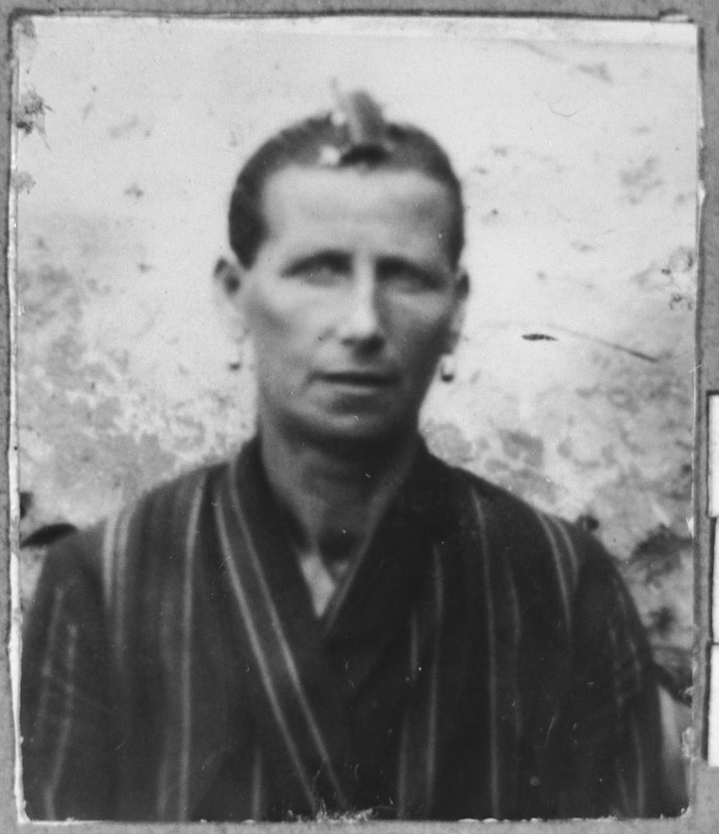 Portrait of Yochevet (Y.) Levi.  She was a laundress.  She lived at Novatska 5 in Bitola.