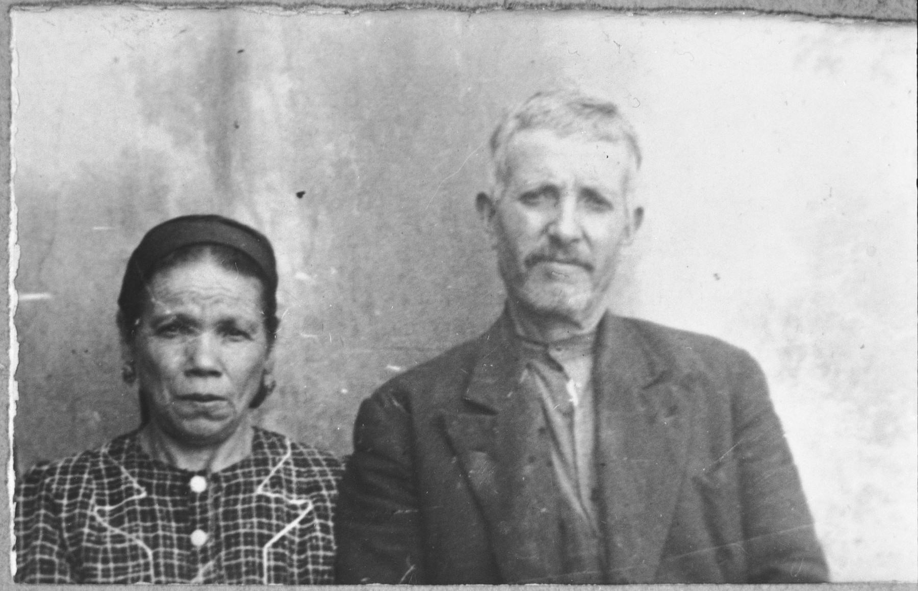 Portrait of David Levi and his wife, Palomba.  David was a carpenter.  They lived at Skopyanska 58 in Bitola.
