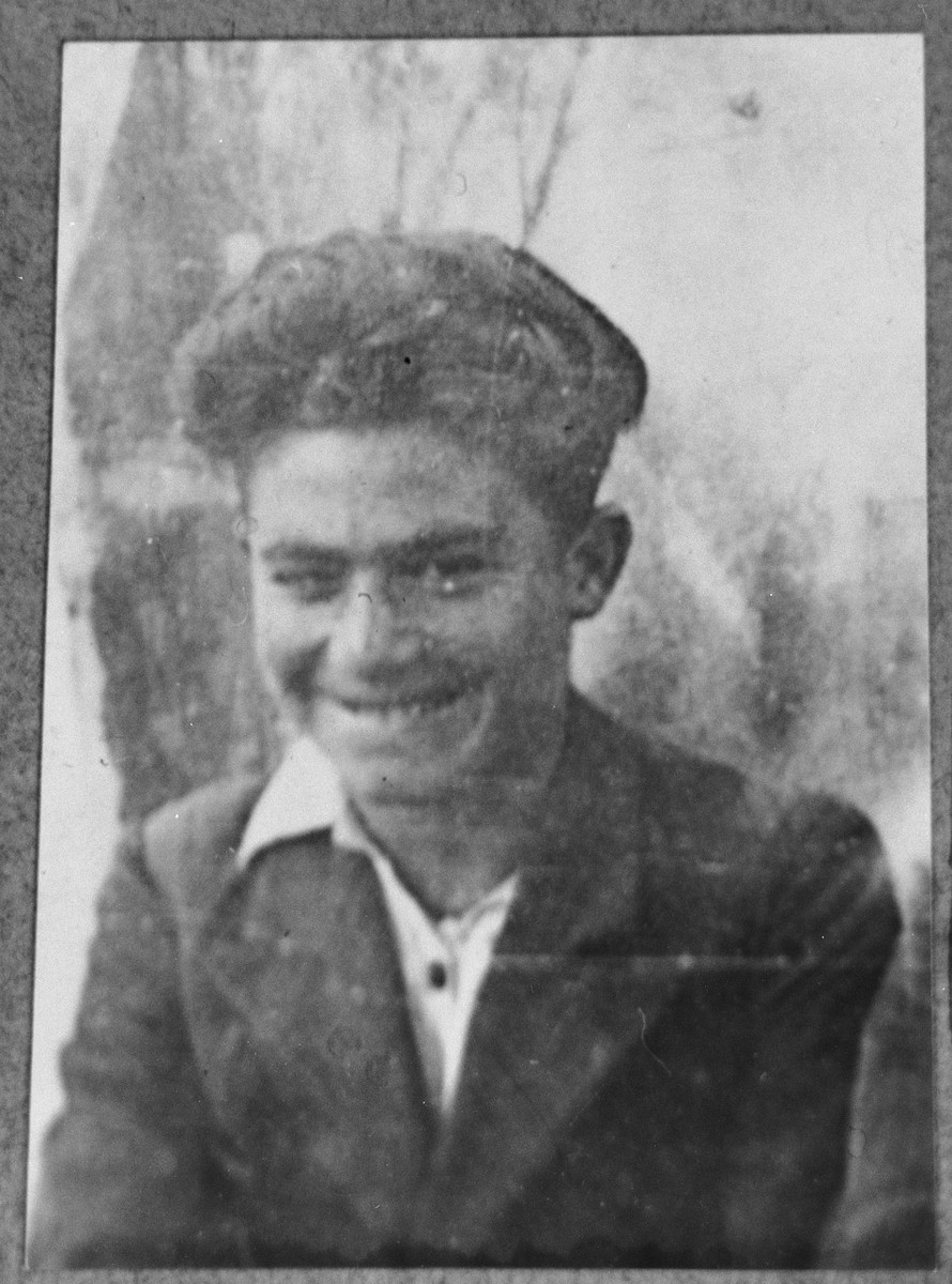 Portrait of Leon Levi, son of Avram Levi.  He was a student.  He lived at Novatska 23 in Bitola.