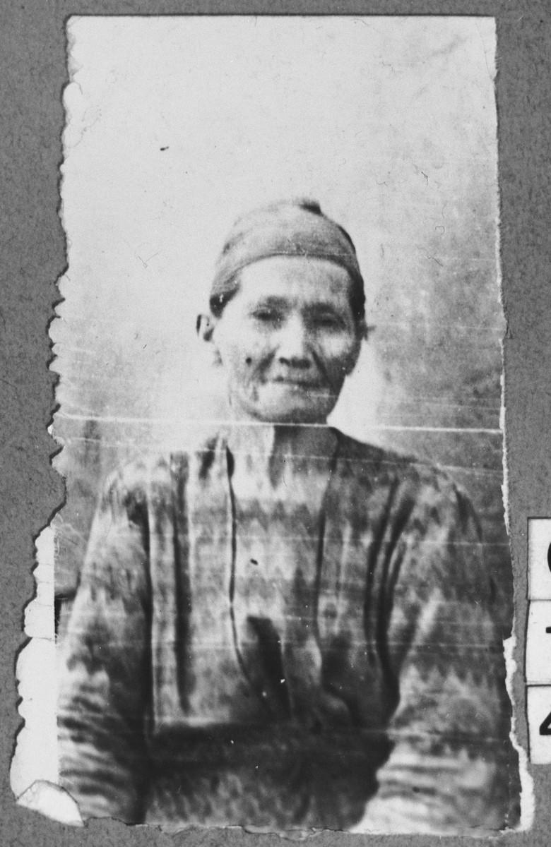 Portrait of Dschamila Kreskis, [wife of Luau Kreskis].  She lived at Krstitsa 22 in Bitola.