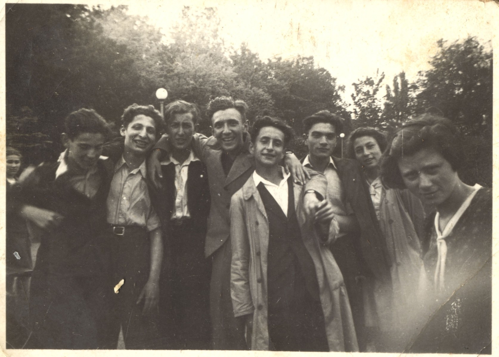Group portrait of Jewish teenagers in Lodz.    Henryk Bergman, the donor, is standing third from left.