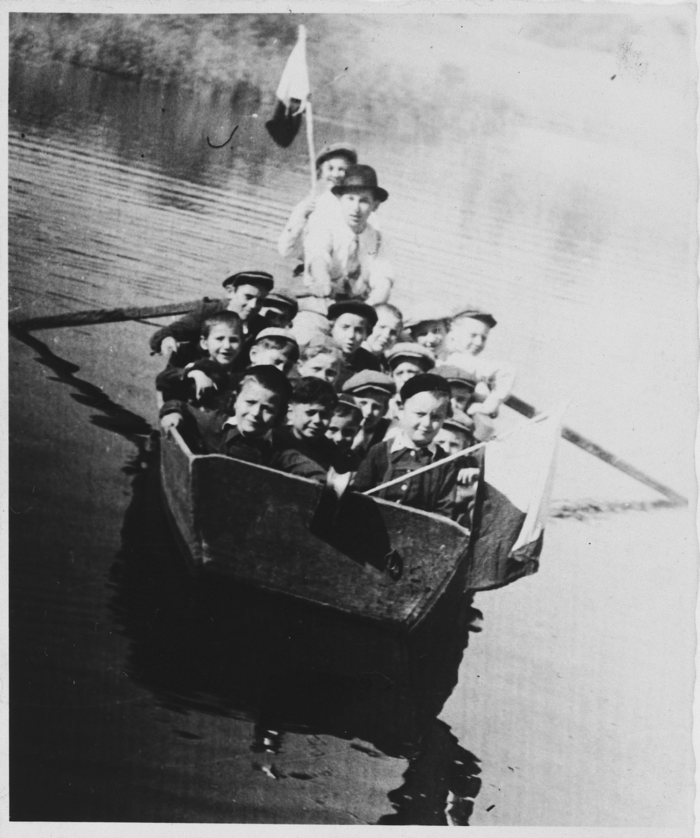 Meir Katz takes the boys in his cheder class for a boat ride.