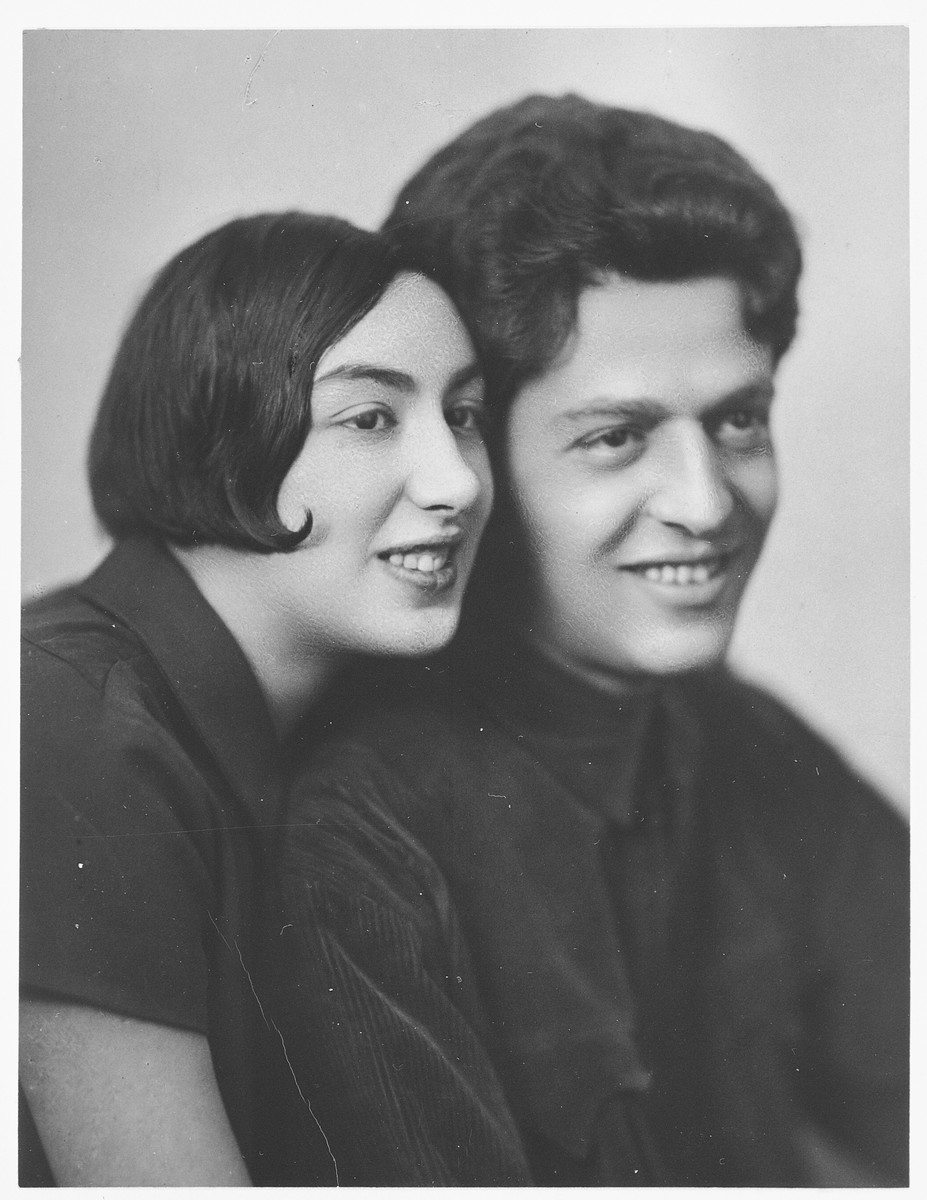 Studio portrait of a Jewish couple, Khonya and Dina Pevsner.  Khonya was arrested during the Kirov purge and perished in the Gulag.