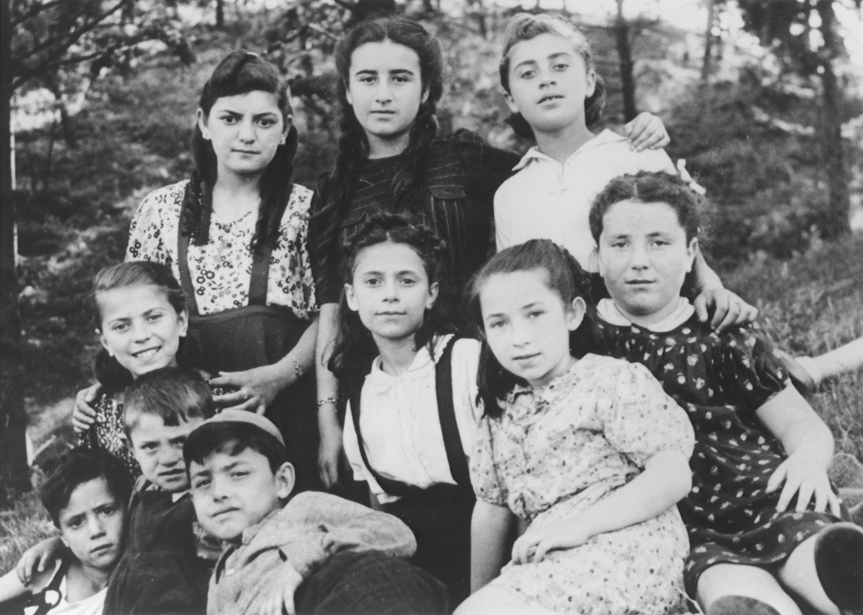 School children from the Tempelhof DP camp go for an outing.  Chuma Rendler is pictured on the far left, middle row.