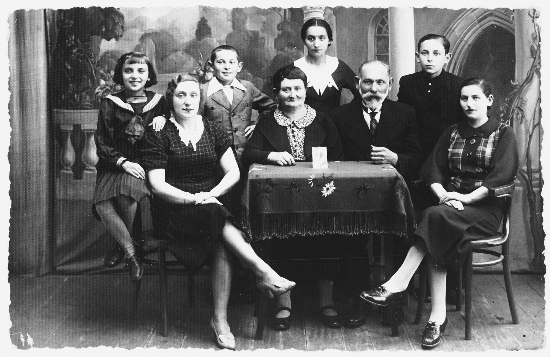 Prewar portrait of the Zisman family in Zelow, Poland.