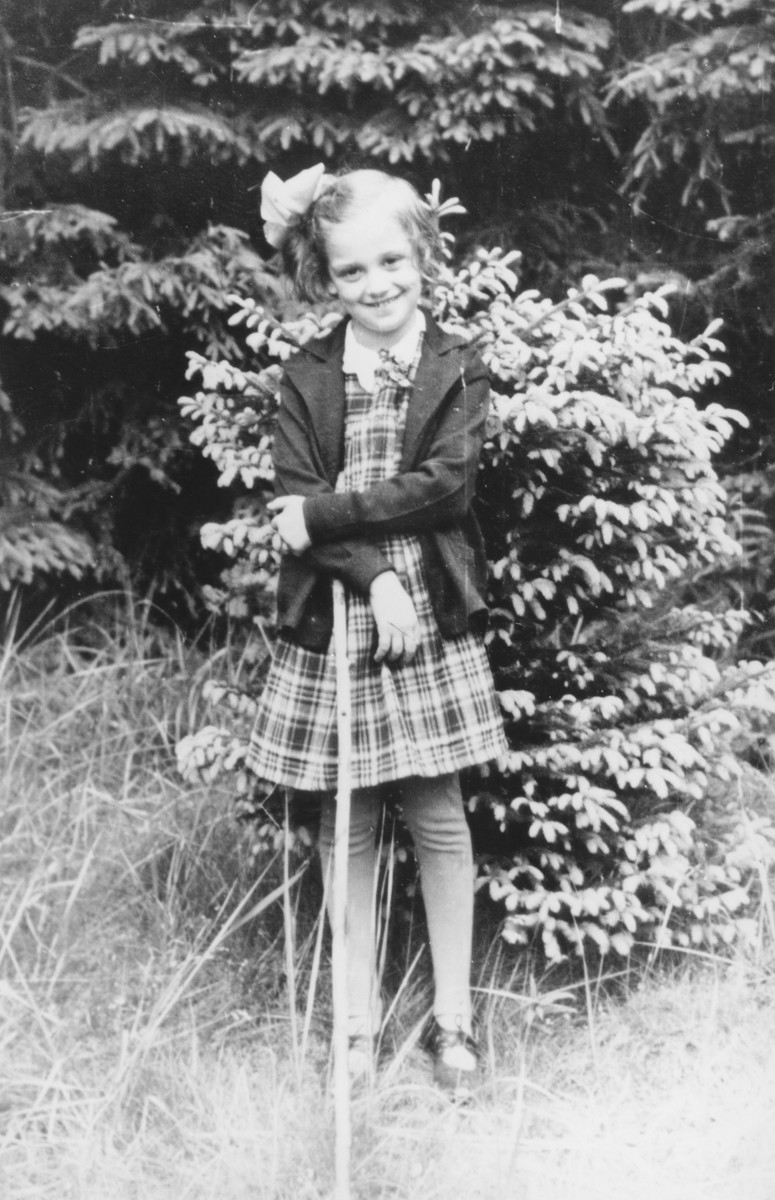 Portrait of a German Jewish refugee girl who was taken to Scotland on a Kindertransport.   Pictured is Dorrith Oppenheim.