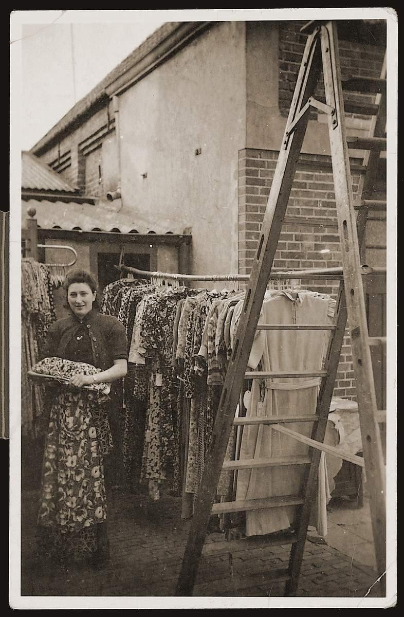 Bep Meijer working in the Zion clothing and fabric store in Eibergen.