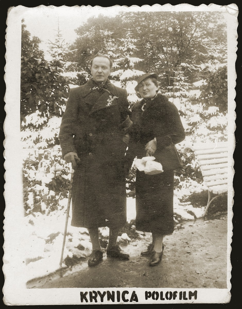 Szmuel and Lonia Liwer during a winter holiday in Krynica.
