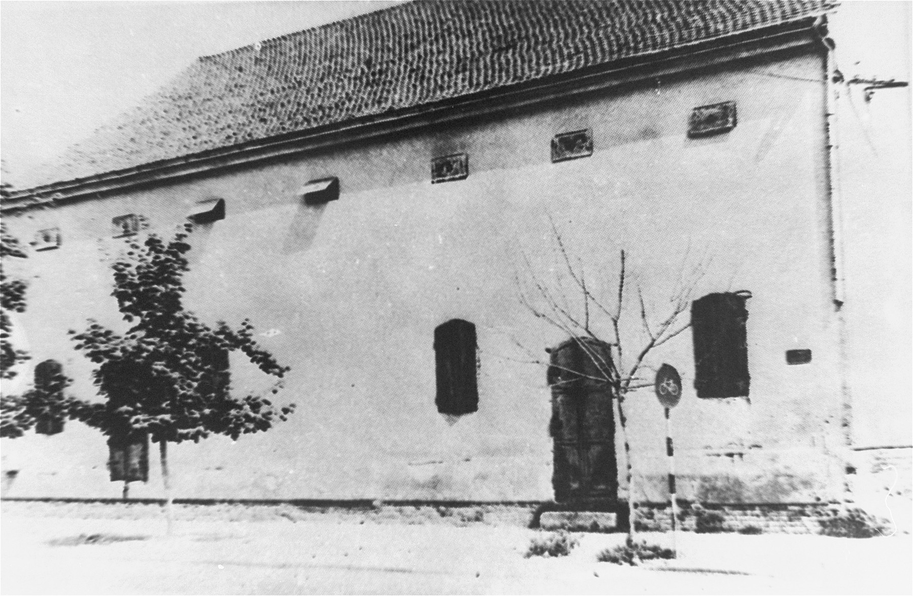 A warehouse on Pop Luka Street in Sabac, where the Jewish refugees of the Kladova transport were housed.