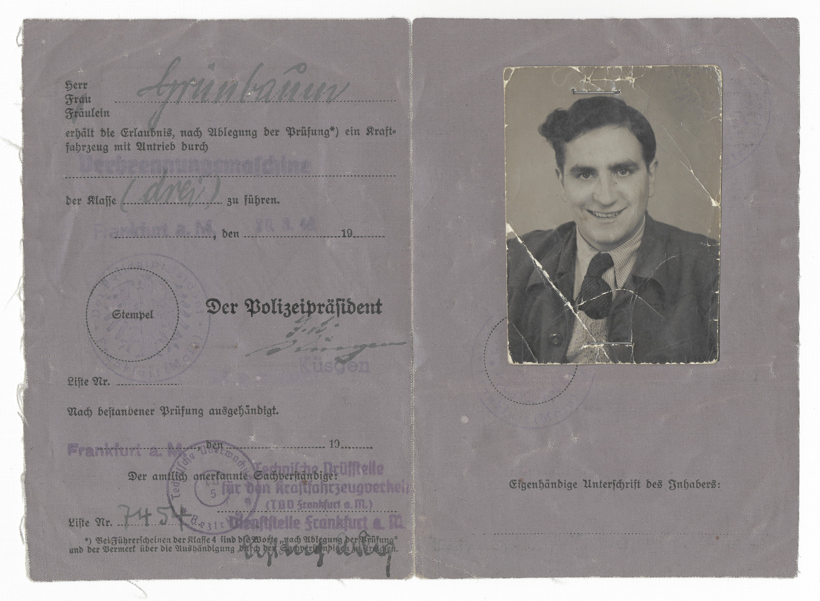 Driver's license issued to Chuna Grynbaum, a Jewish displaced person living in the Zeilsheim camp.