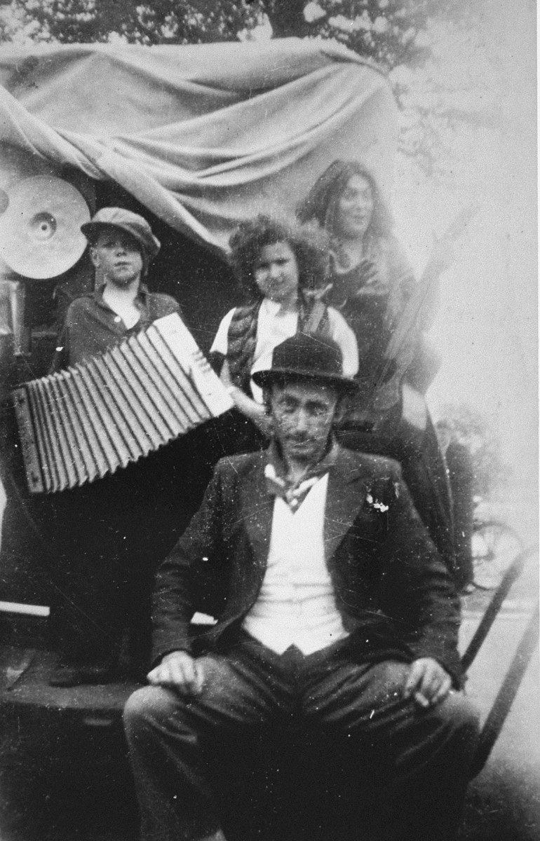 Marion Kaufmann (center) with the Romani (Gypsy) family that hid her for a month.