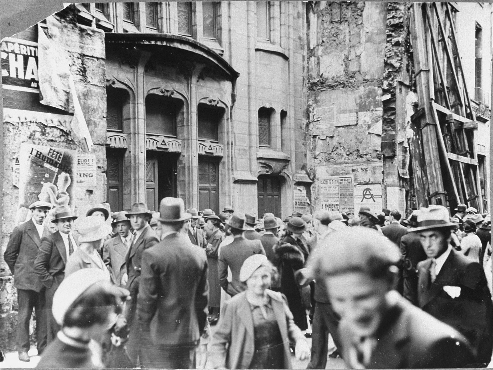 Street scene in front of a Paris synagogue on Yom Kippur.