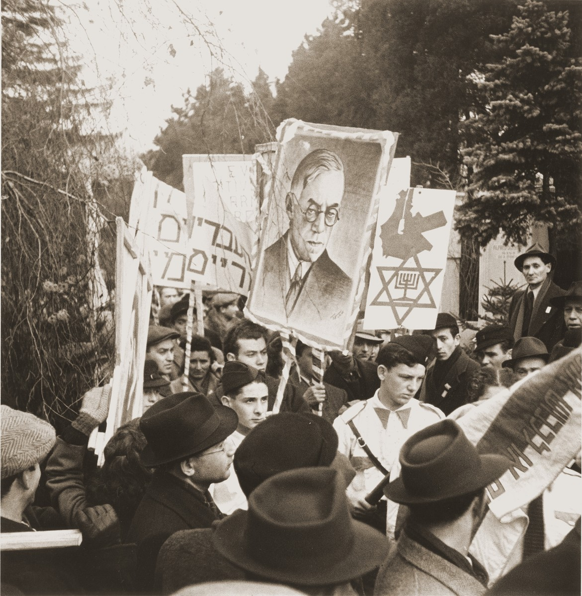 Members of the Betar Zionist youth movement demonstrate against British policy in Palestine at the tomb of Theodor Herzl in the Jewish cemetary in Vienna.    The demonstration was timed to coincide with the visit of the United Nations Special Commission on Palestine to Vienna.