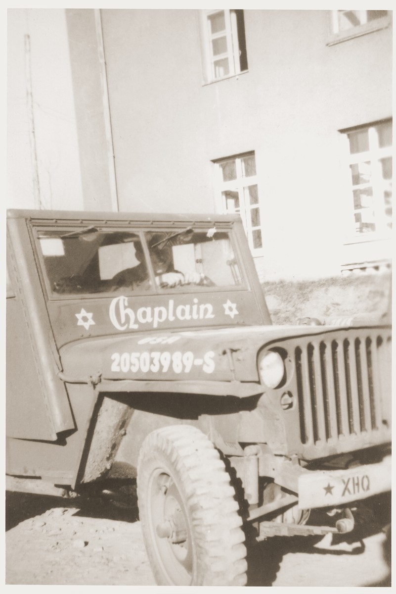 A jeep belonging to an American Jewish army chaplain who is visiting the Kibbutz Nili hachshara (Zionist collective) in Pleikershof, Germany.