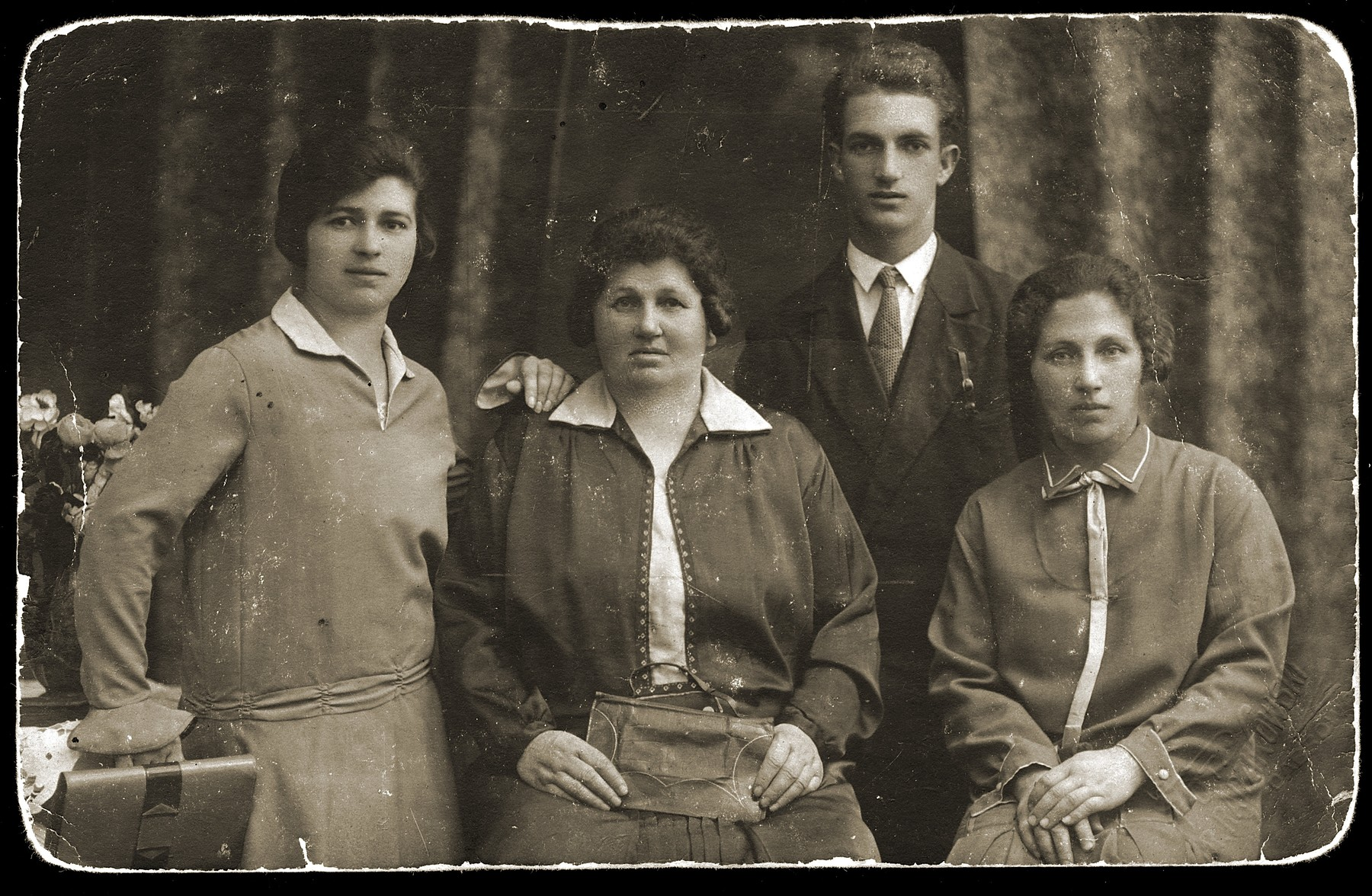 Portrait of the Gruenzeiger family.  From left to right are Pola, Lea, Zendel and Rywka.