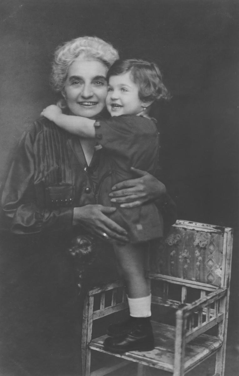 Portrait of Zdenka Steiner with her grandmother, Ida.