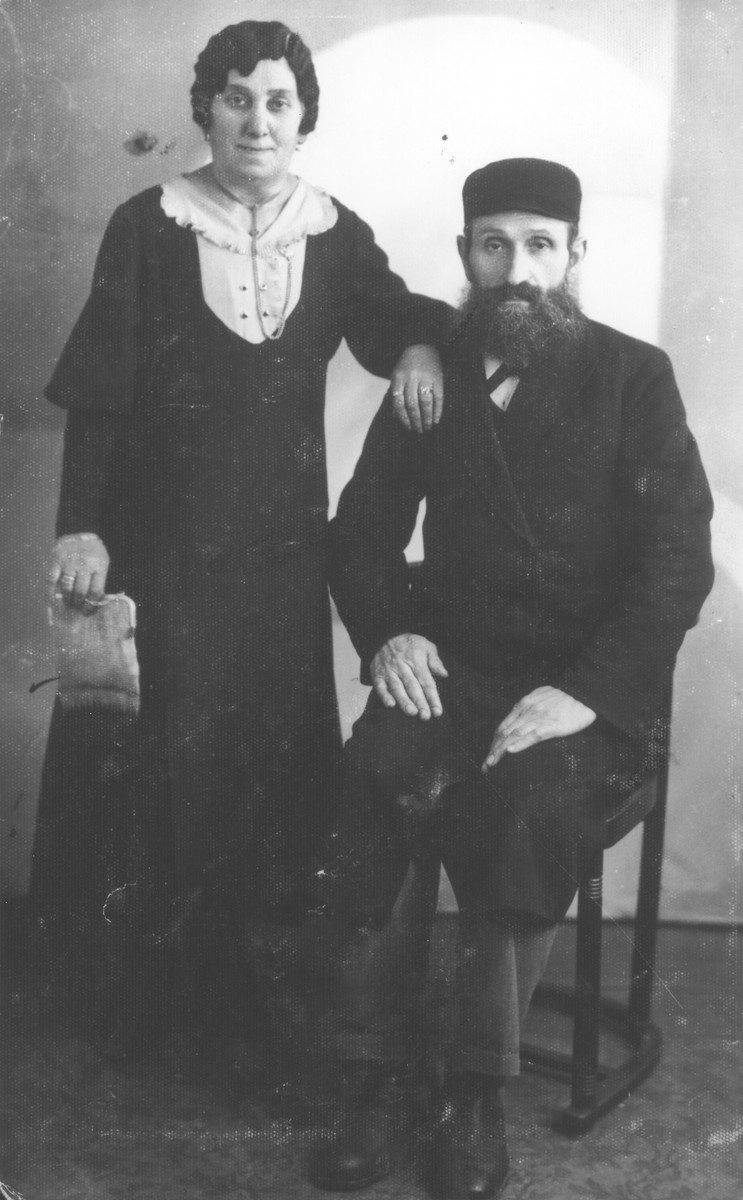 Studio portrait of Chaya and Shmuel Nortman.