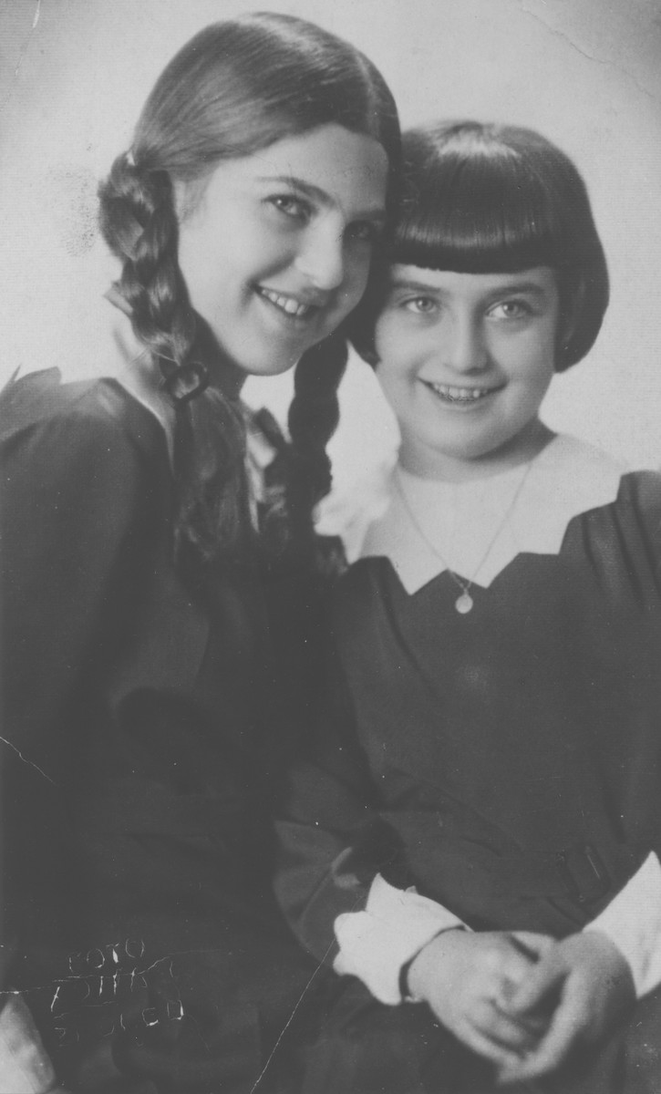 Portrait of the Steiner sisters in Zagreb.  Pictured are Zdenka (left) and Mira Steiner (right).