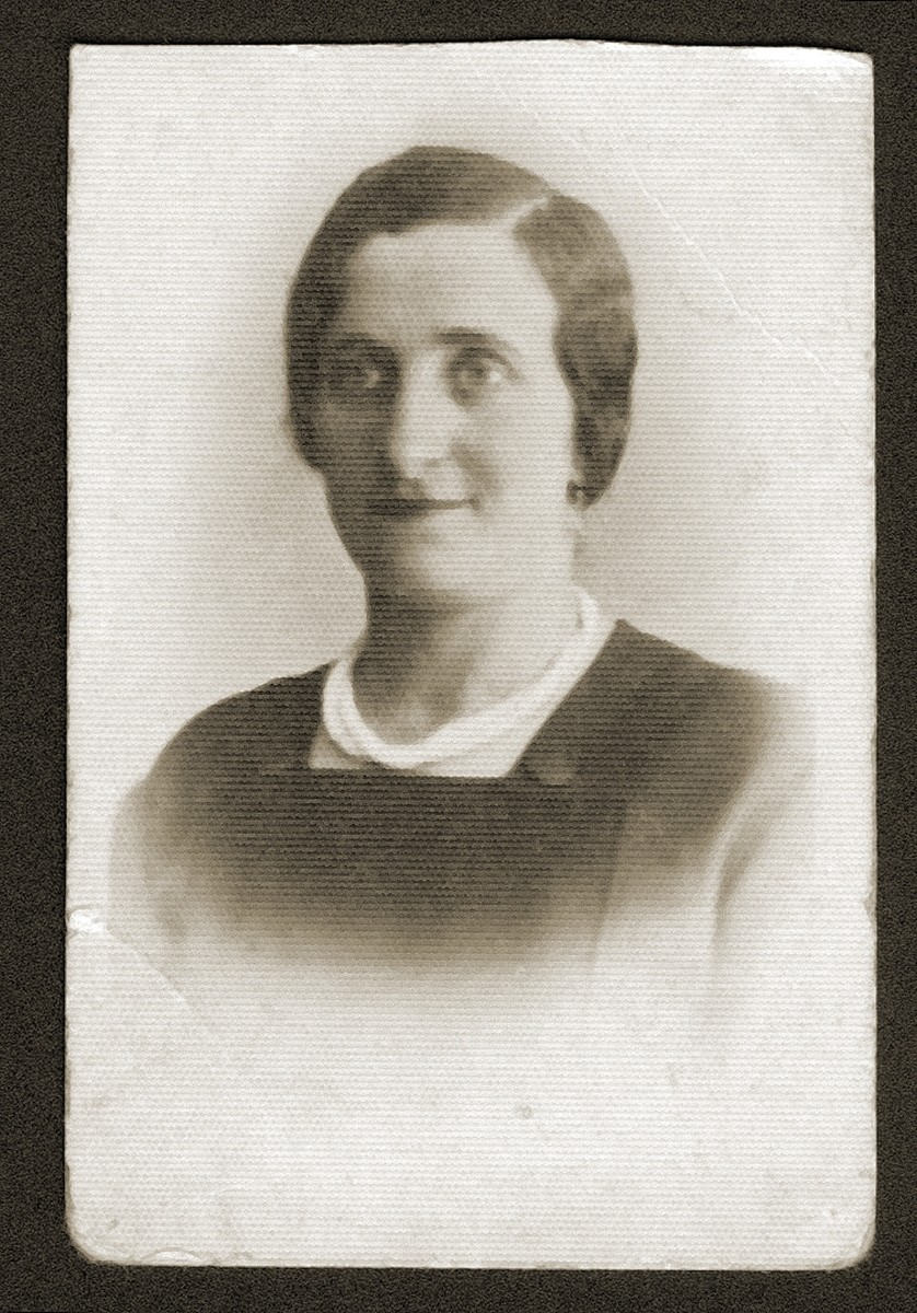 Studio portrait of a Jewish woman, Sara Bajla Fiszel.   She was deported with her husband and children to Auschwitz, where she perished at the age of forty-two.