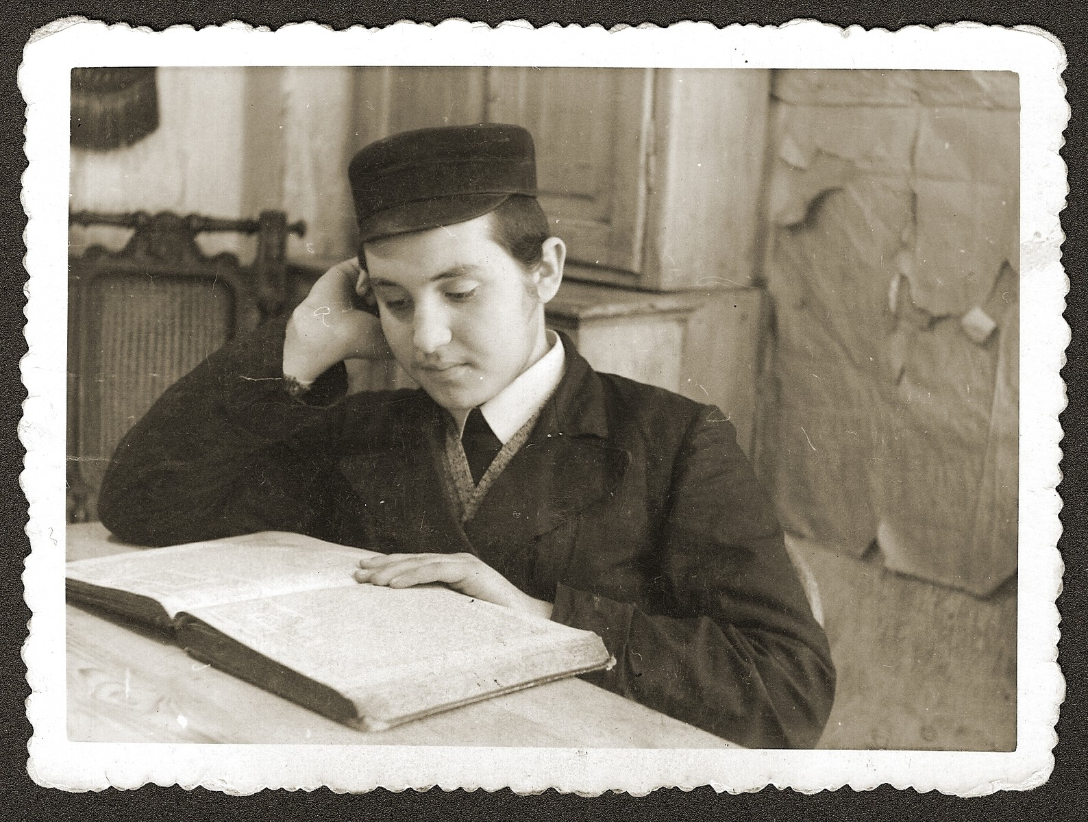 Portrait of sixteen-year-old Szamuel Chaim Rubinsztejn, studying at a yeshiva.