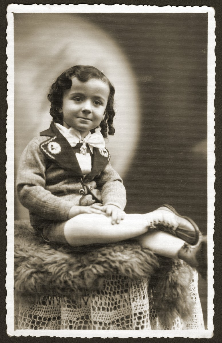 Studio portrait of a Jewish child in Bedzin, Poland.  Pictured is 3-year-old Monius Einesman, a cousin of Fela Fiszel.  Monius perished in Auschwitz.