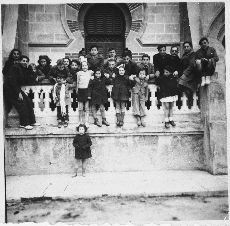 Jewish refugee children in Caldas de Malavella.  Among those pictured is Michel Margosis.